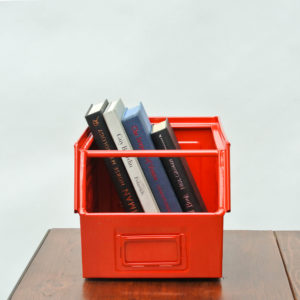 Coloured metallic crates - Red anciellitude