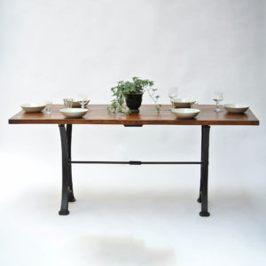Large table anciellitude