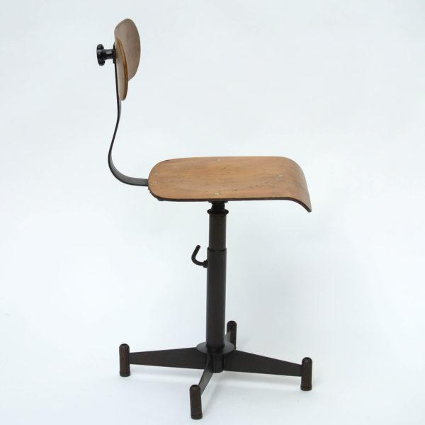 chaise d'atelier réglable anciellitude