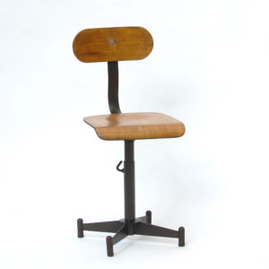 Adjustable workshop chair anciellitude