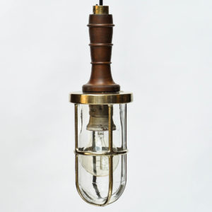Portable lamp in brass and wood anciellitude