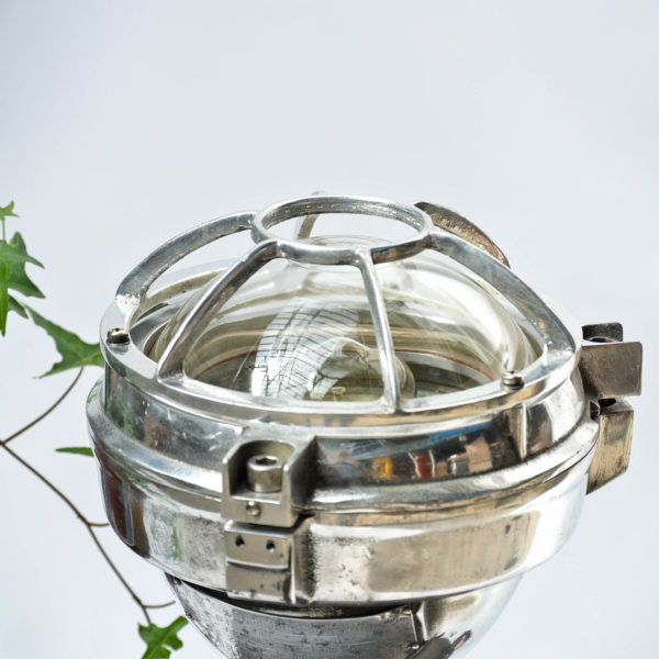 Ancienne lampe de signalisation