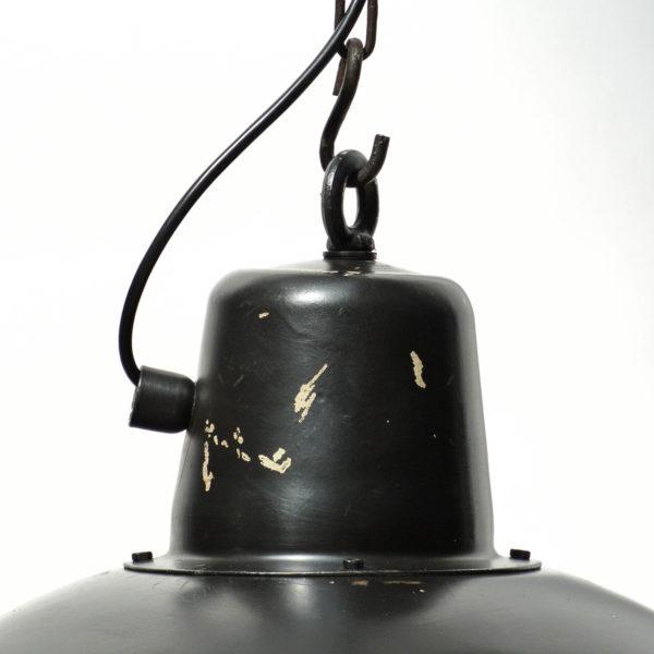 suspension noire grillagée anciellitude