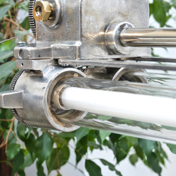 Fluo anti-déflagration en fonte d'aluminium restauré. anciellitude