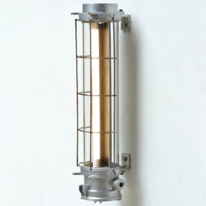 Industrial Fluorescent Light in Cast Aluminium with a Fence anciellitude