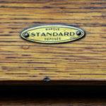 Ancien meuble de notaire à rideaux anciellitude