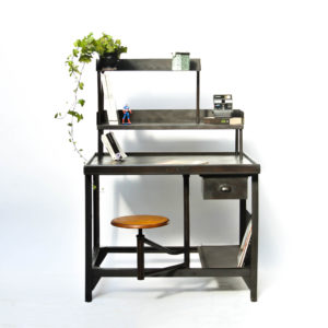 Old Desk with Integrated Sitting anciellitude
