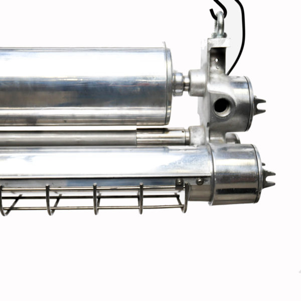 Double Explosion-Proof Fluorescent Light in Polished Cast Aluminium (small size) anciellitude