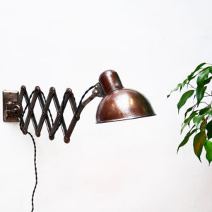 Scissor Wall Lamp Kaiser Idell by  Dell, « Rough »Varnished anciellitude