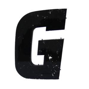 Grande lettre G noire en métal vintage anciellitude